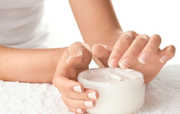 Làn da cần được cấp ẩm đầy đủ vào mùa đông để khỏe mạnh, không bị khô, rát đỏ. Ảnh: Health