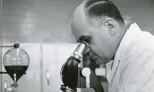 Nhà tiên phong nghiên cứu vaccine