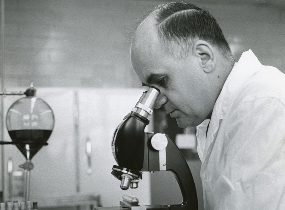 Nhà khoa học Maurice R. Hilleman. Ảnh: Mersk.