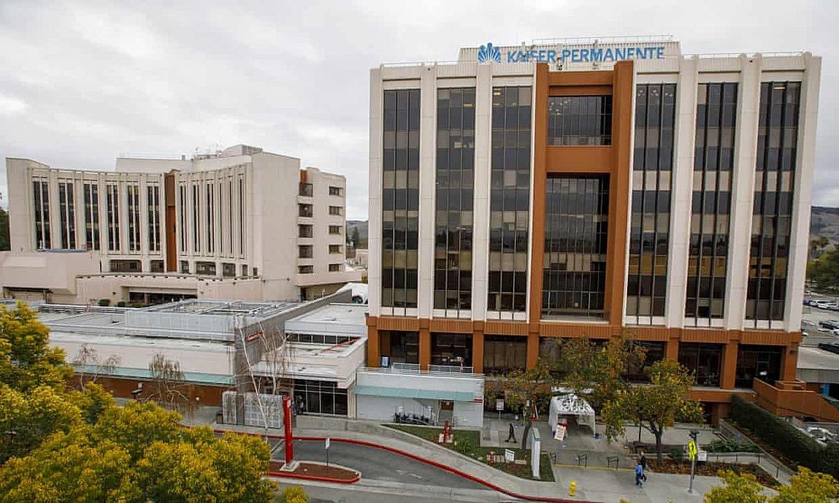 Bệnh viện Kaiser Permanente San Jose, nơi 44 nhân viên y tế bị nhiễm virus Sars-CoV-2. Ảnh: Anda Chu/AP