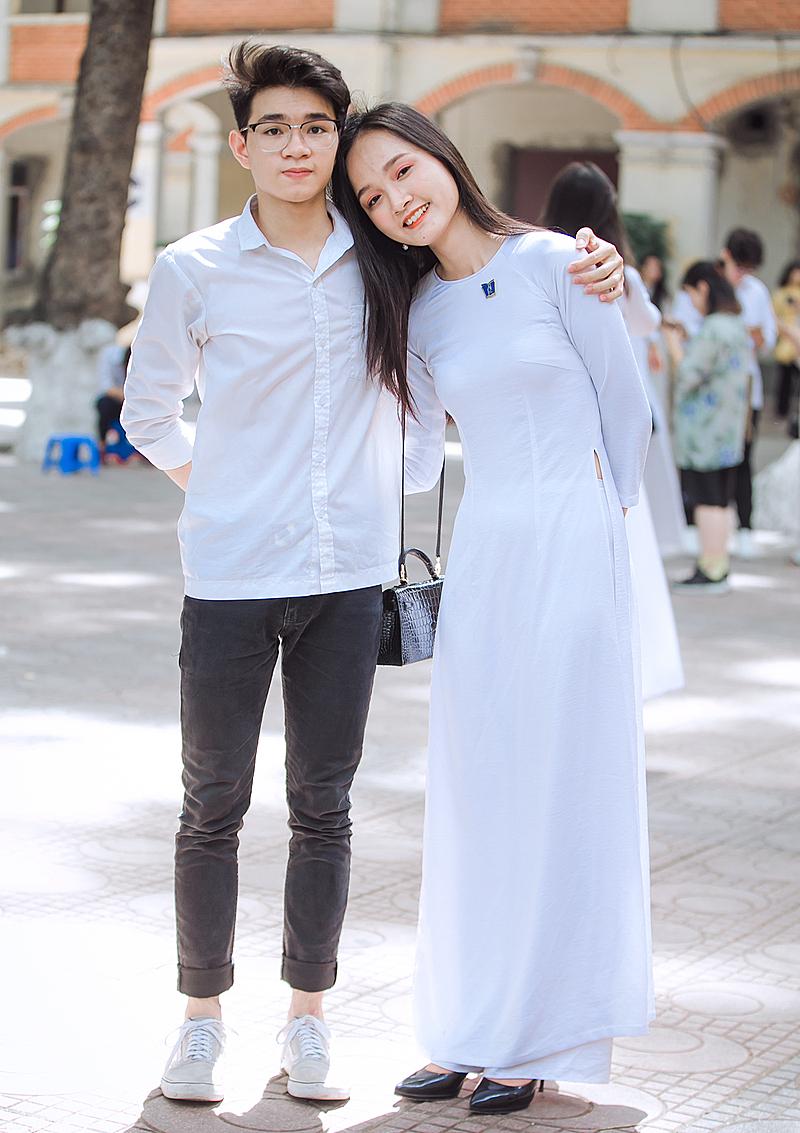 Các thanh niên tuổi 18 ở Hà Nội, mùa hè 2020. Ảnh: Tùng Đinh