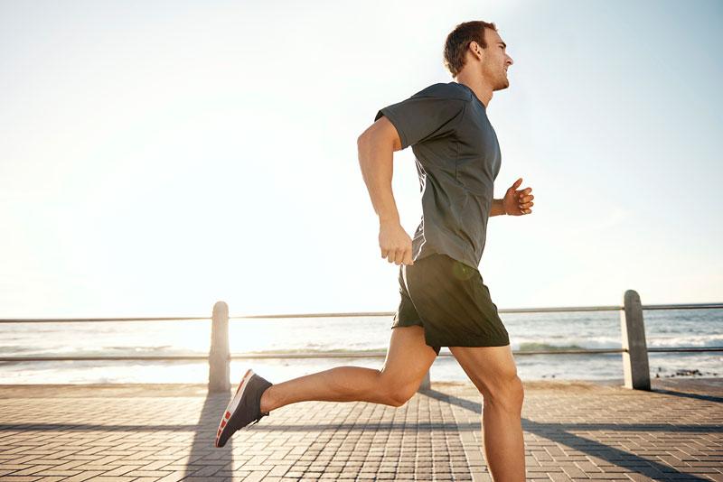 Vận động thường xuyên không chỉ giúp cơ thể dẻo dai mà còn có một làn da khỏe mạnh.