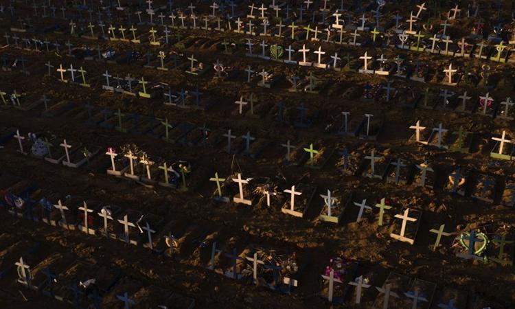 Nghĩa trang tập thể dành cho người chết ở Manus hồi tháng 4/2020. Ảnh:AP.