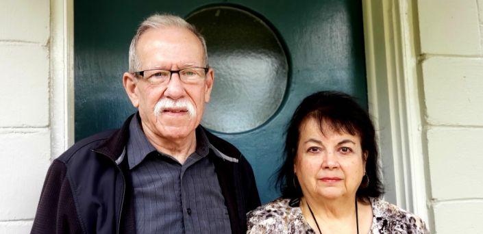Richard và Aida Paiva tại nhà ở thành phố DeLand, bang Florida, ngày 4/1. Ảnh: USA Today