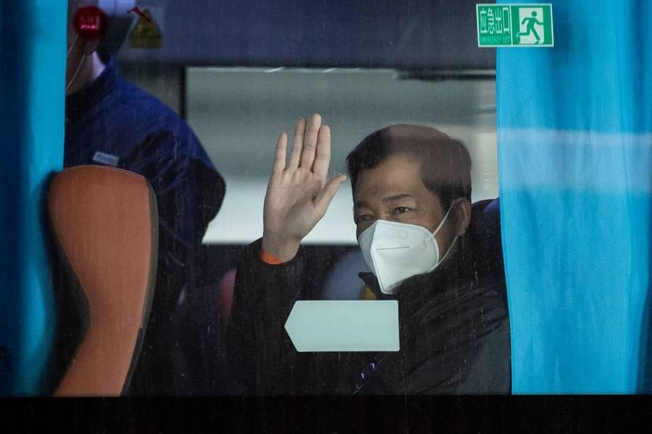 Ông Nguyễn Việt Hùng tại Vũ Hán, ngày 14/1. Ảnh: AFP.