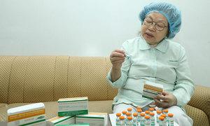 Nữ giáo sư cả đời nghiên cứu vaccine