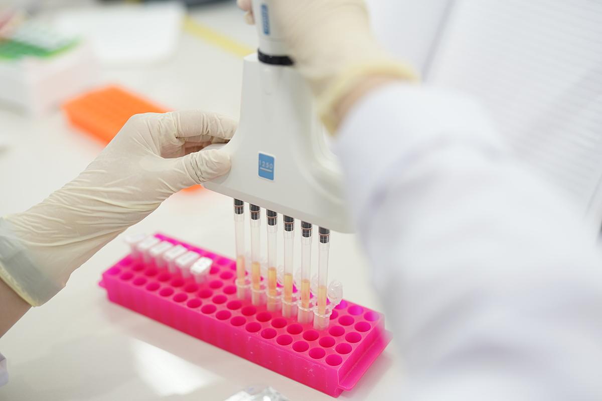 Xét nghiệm gen bệnh Thalassemia. Ảnh: Ngọc Mai.