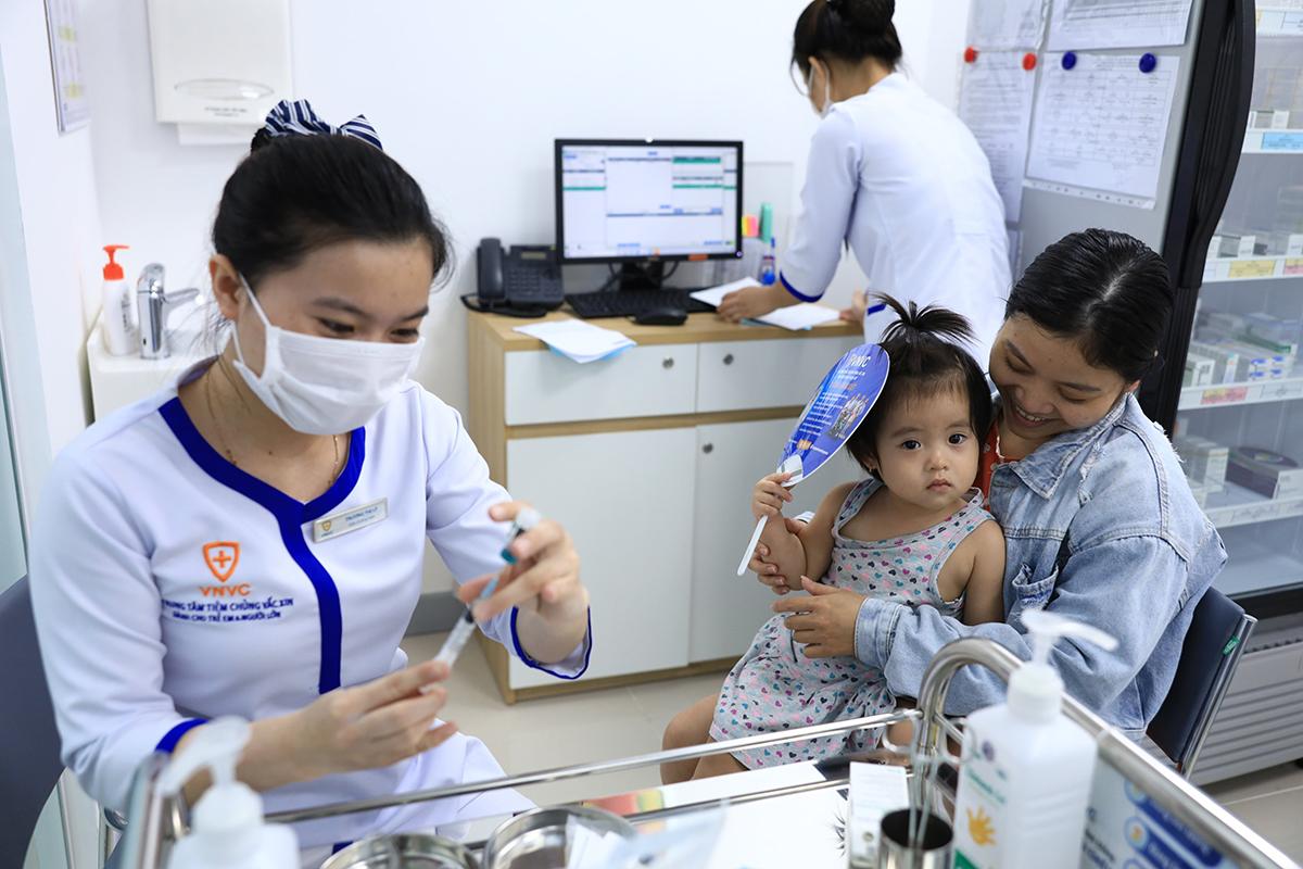 Varilrix là vaccine duy nhất có thể phòng bệnh thủy đậu sớm cho trẻ từ 9 tháng tuổi. Ảnh: VNVC.