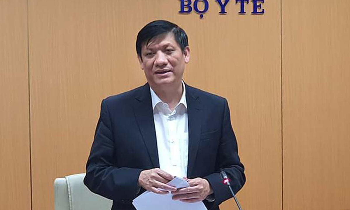 Bộ trưởng Y tế Nguyễn Thanh Long chủ trì cuộc họp chiếu tối 28/1. Ảnh: Tuấn Dũng.