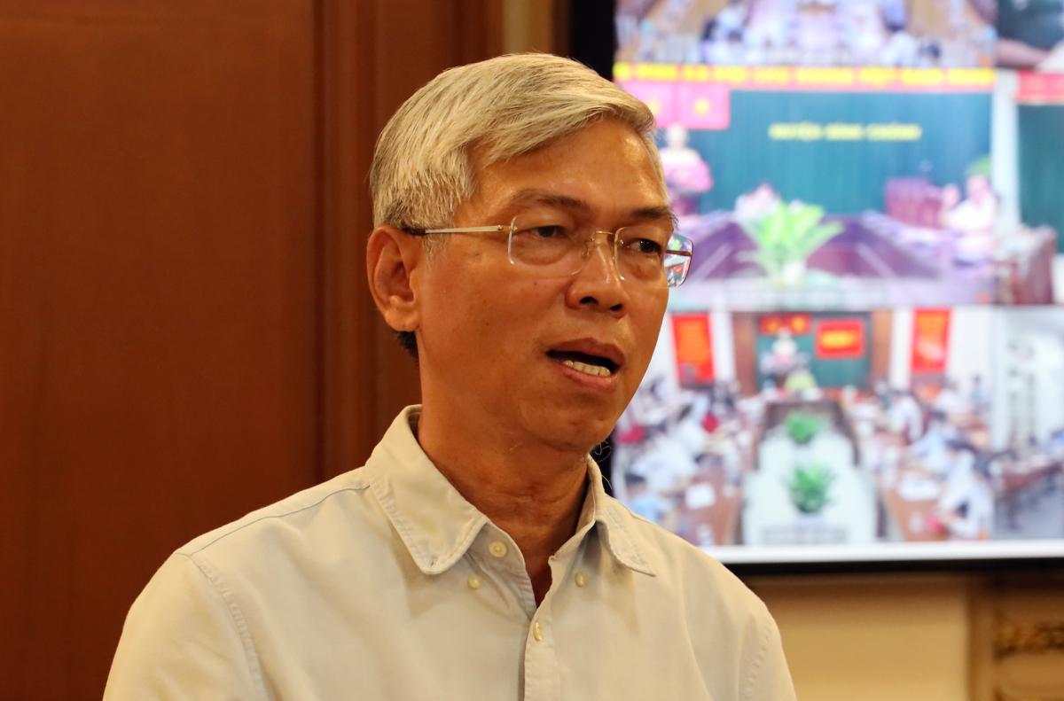 Phó Chủ tịch UBND TP HCM Võ Văn Hoan phát biểu tại cuộc họp. Ảnh: Trung tâm báo chí.