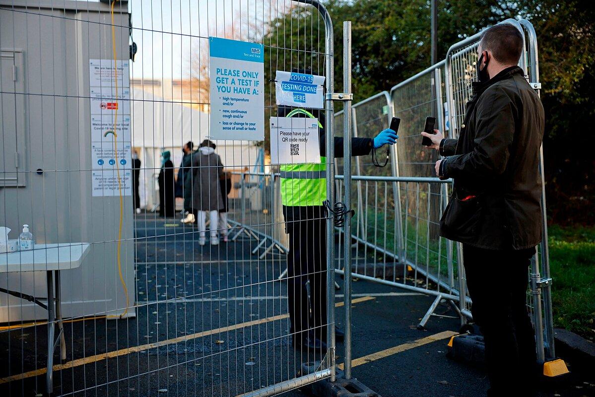 Một trung tâm xét nghiệm nCoV tại London, tháng 12/2020. Ảnh: AFP