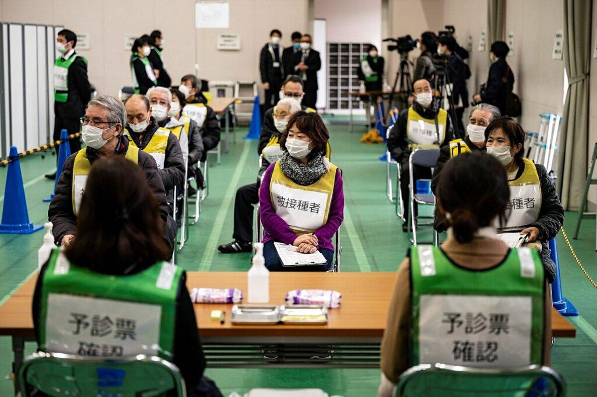 Buổi diễn tập tiêm chủng tại Kawasaki, Nhật Bản, ngày 27/1. Ảnh: AFP