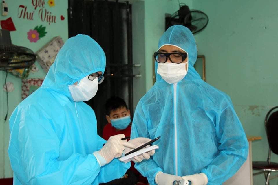 Nhân viên y tế làm việc tại Hải Dương. Ảnh: Bộ Y tế.