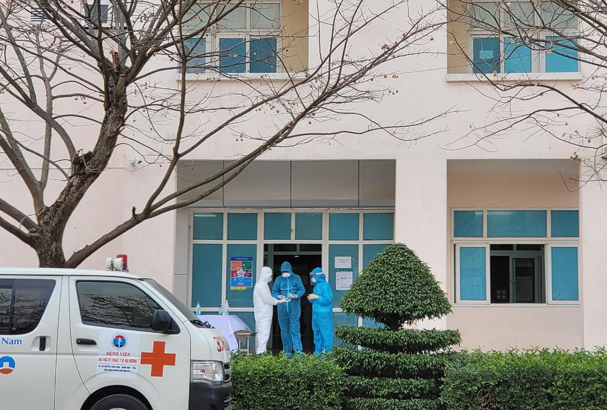 Bệnh viện dã chiến số 1 Hải Dương, đặt tại Trung tâm Y tế thành phố Chí Linh, đang điều trị 165 bệnh nhân Covid-19. Ảnh do bác sĩ cung cấp.