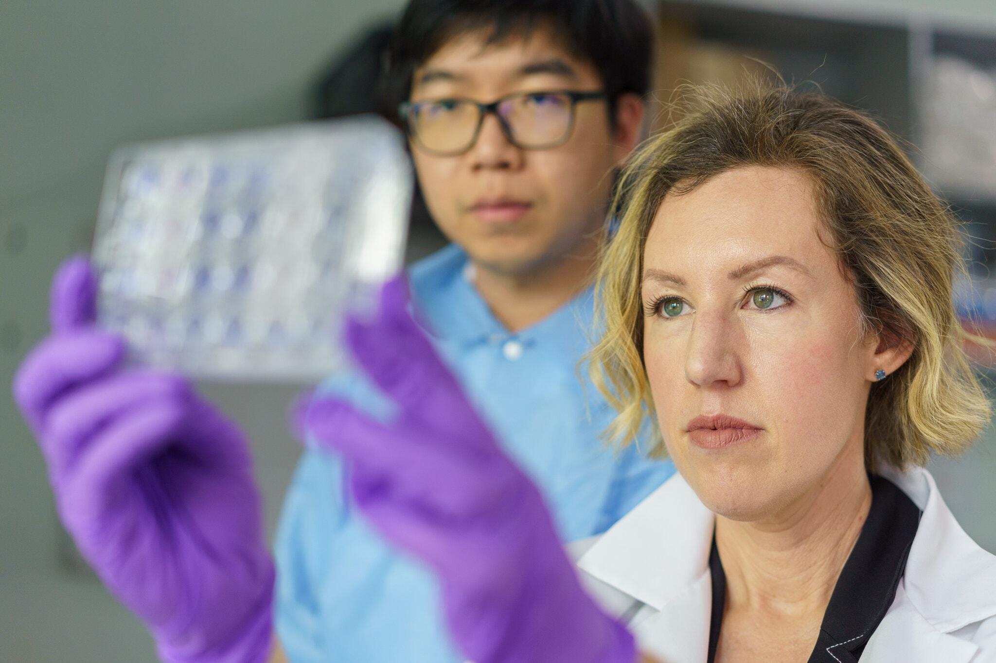 Tiến sĩ Jessica Manning, chuyên gia nghiên cứu sức khỏe cộng đồng Viện Dị ứng và Bệnh truyền nhiễm Quốc gia. Ảnh: NY Times