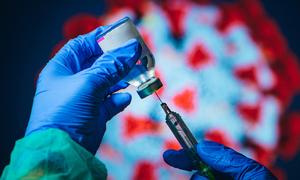 Vaccine bảo vệ cơ thể thế nào?