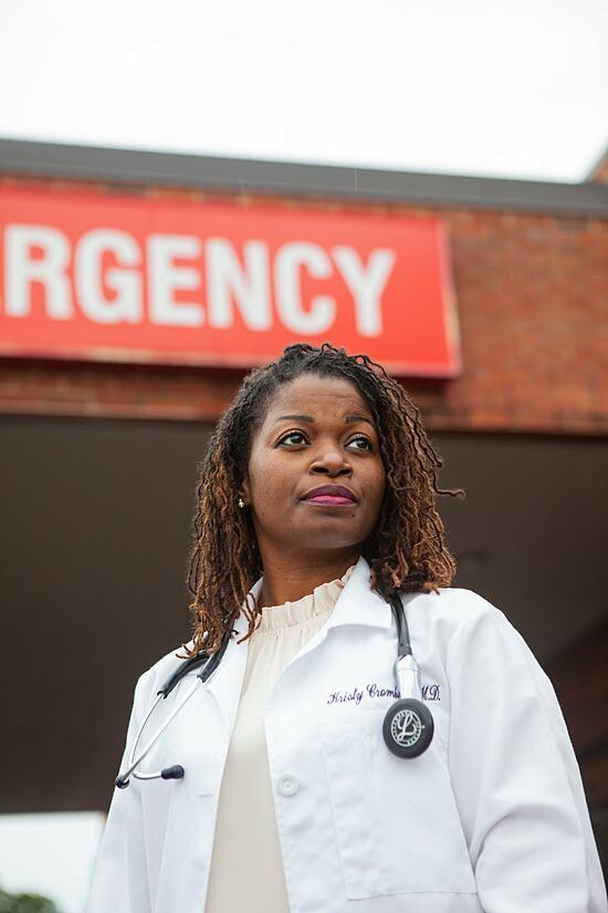 Bác sĩ Kristy Cromblin. Ảnh: NY Times