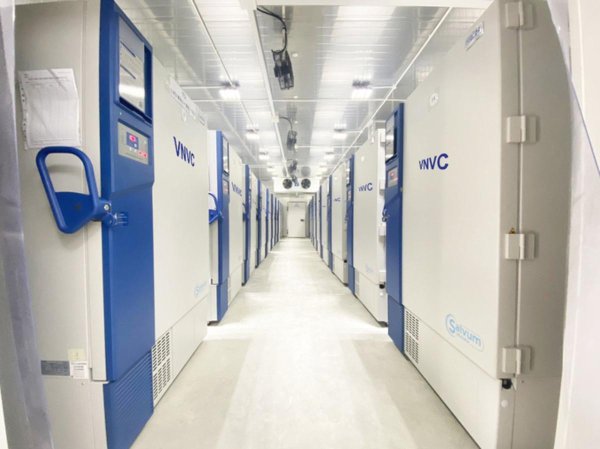 Kho lạnh âm sâu bảo quản vaccine Covid-19 tại một trung tâm VNVC TP HCM. Ảnh: VNVC.