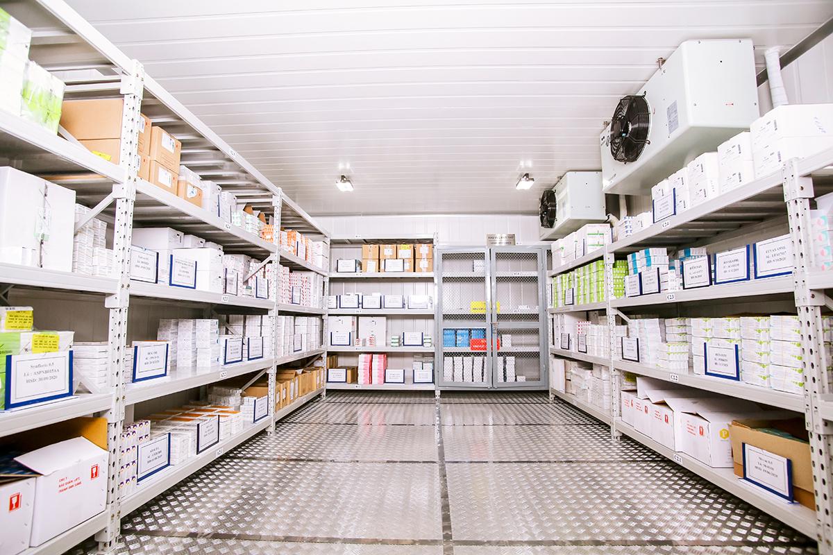 Hiện VNVC có 49 trung tâm tiêm chủng trên toàn quốc với hơn 5.000 bác sĩ, điều dưỡng, nhân viên y tế, dịch vụ chăm sóc khách hàng chuyên nghiệp cùng các nền tảng công nghệ cao... sẵn sàng phục vụ cho nhu cầu đăng ký, sắp xếp, điều phối và tiến hành tiêm chủng... cho hàng chục triệu người.  Phương án phục vụ 3 ca, thậm chí 24/7 tại tất cả các trung tâm trên toàn hệ thống đã được chuẩn bị để phục vụ người dân được tiêm vaccine phòng Covid-19 sớm theo chỉ đạo của Chính phủ và Bộ Y tế.
