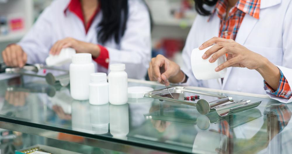 Dễ mua kháng sinh tại thuốc là một trong những nguyên nhân gây ra kháng kháng sinh.