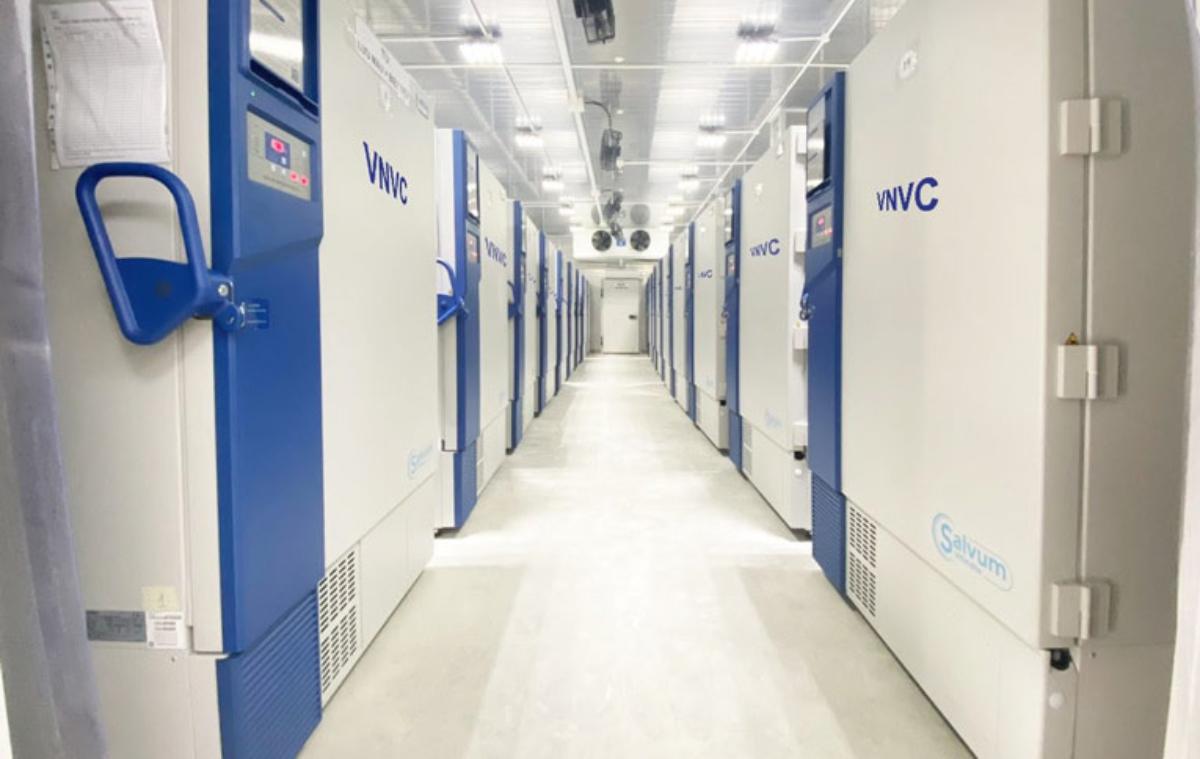 Kho lạnh sâu để bảo quản vaccine tại VNVC TP HCM. Ảnh: VNVC