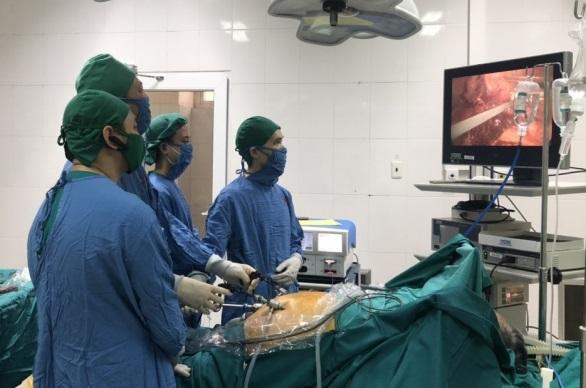 Ca phẫu thuật nội soi cắt u gan được thực hiện bởi các bác sĩ Bệnh viện Bãi Cháy. Ảnh: Bệnh viện cung cấp.