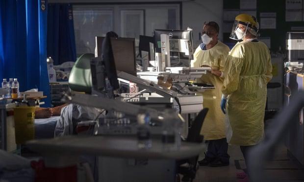 Phòng chăm sóc tích cực tại Bệnh viện St George ở Tooting, nam London. Ảnh: Guardian.