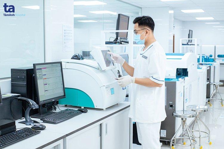 Hệ thống máy xét nghiệm cao cấp tại BVĐK Tâm Anh.
