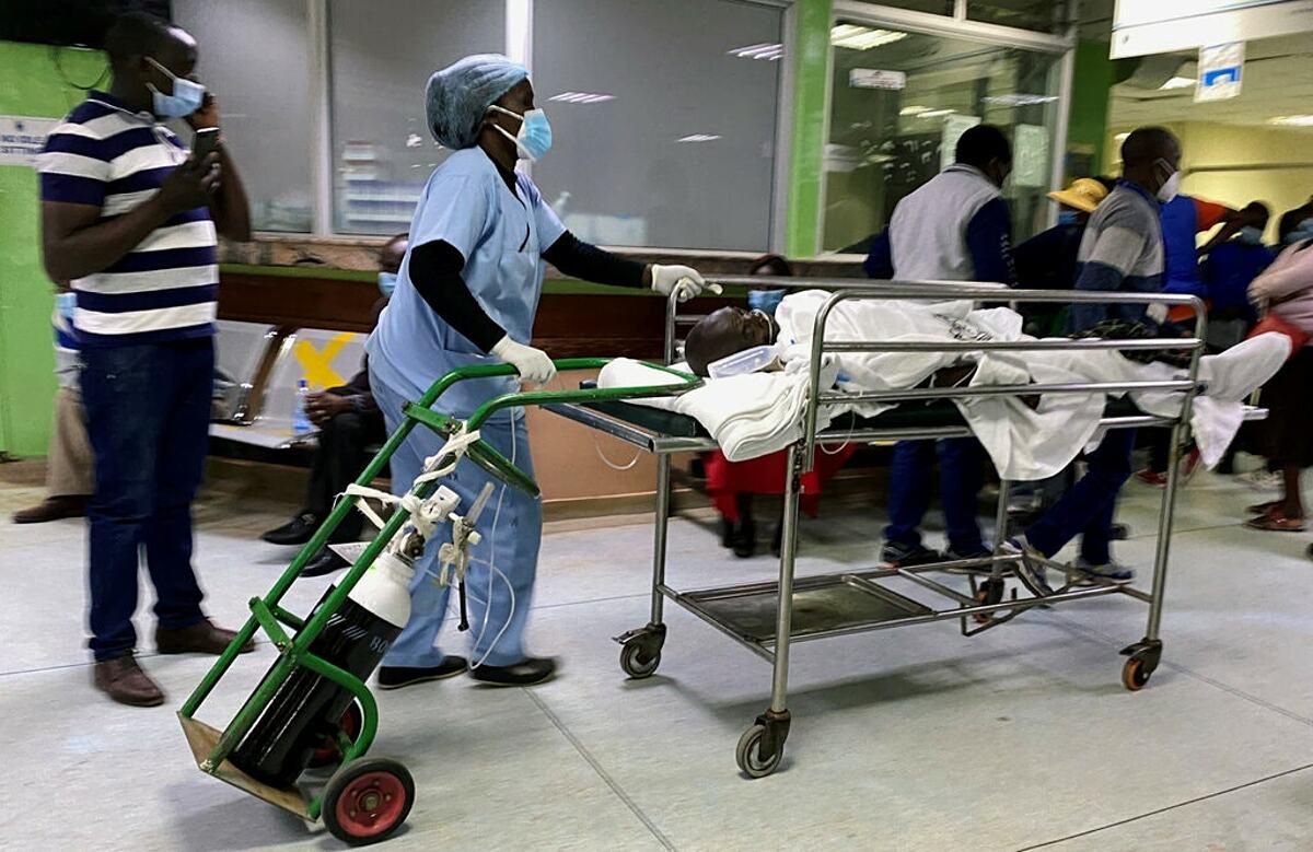Khoa cấp cứu của Bệnh viện Quốc gia Kenyatta ở Nairobi, tháng 12/2020. Ảnh: Reuters