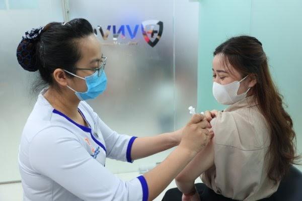 Phụ nữ cần hoàn tất các mũi tiêm vaccine cần thiết trước khi có kế hoạch mang thai