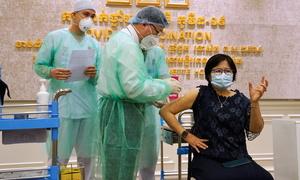 Châu Á gian nan tìm nguồn cung vaccine Covid-19