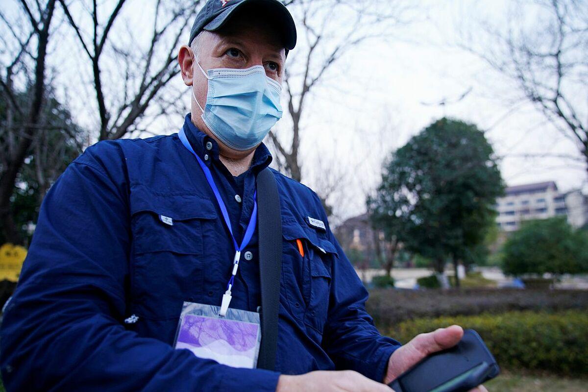 Chuyên gia virus Peter Daszak, thành viên phái đoàn WHO tại Vũ Hán hồi tháng 2. Ảnh: Reuters
