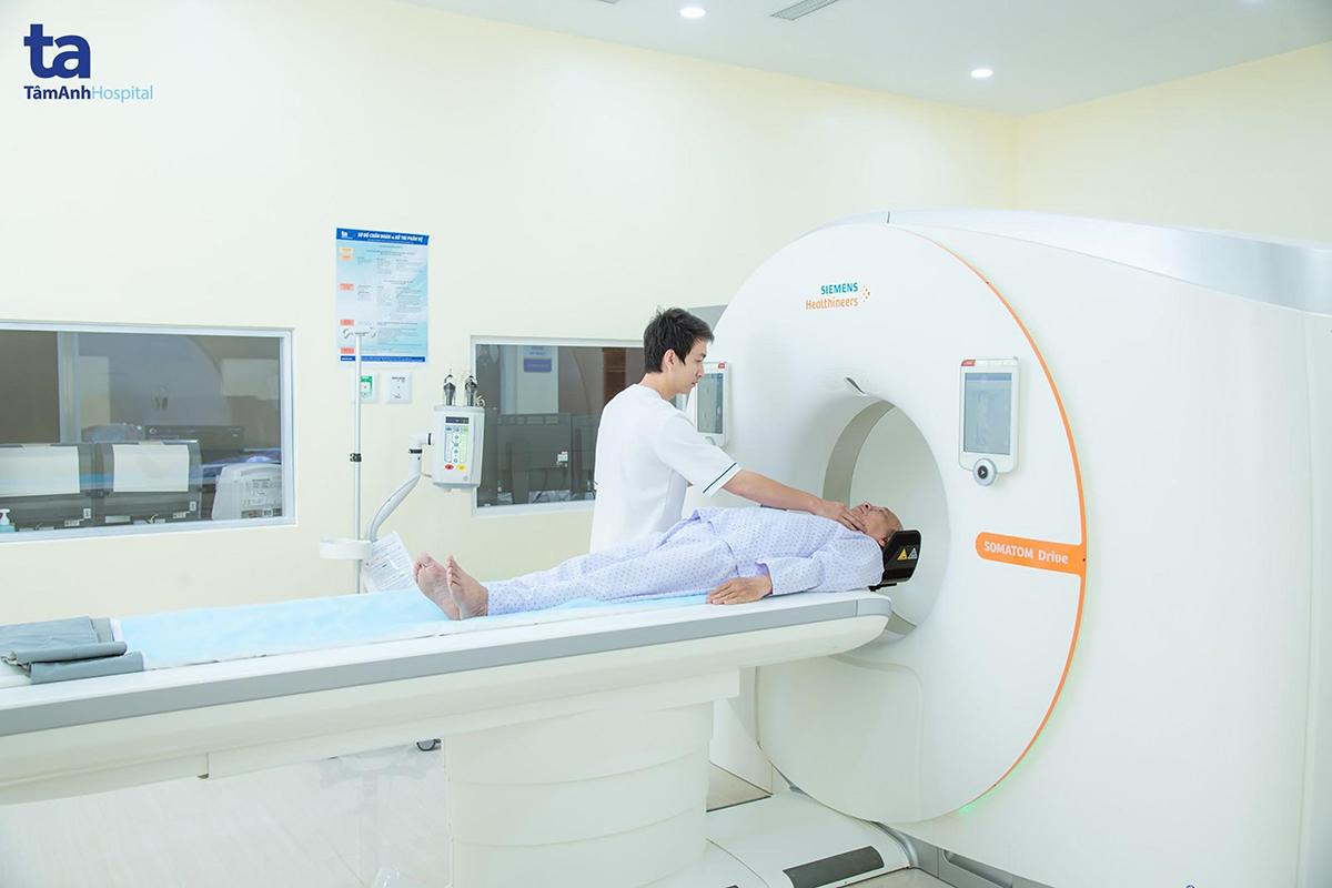 Chụp CT mạch vành có cản quang giúp chẩn đoán bệnh mạch vành.