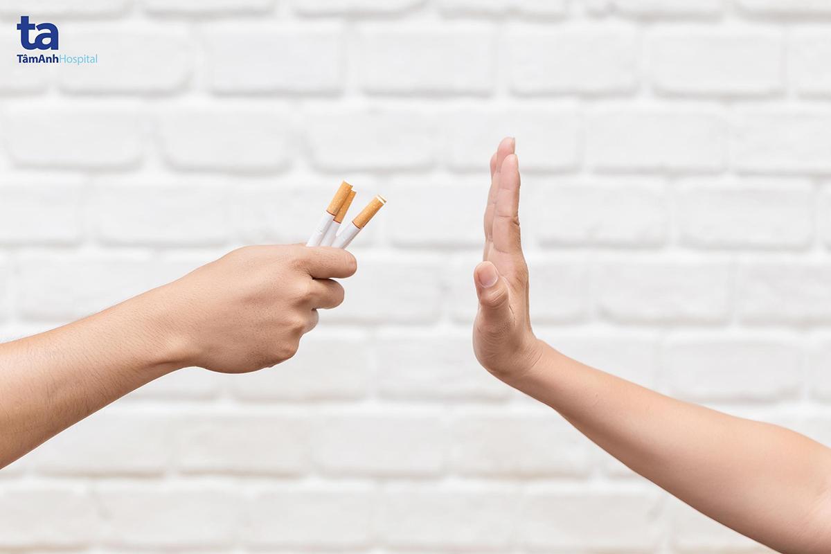 Không hút thuốc lá để phòng ngừa và cải thiện các triệu chứng bệnh tim mạch.