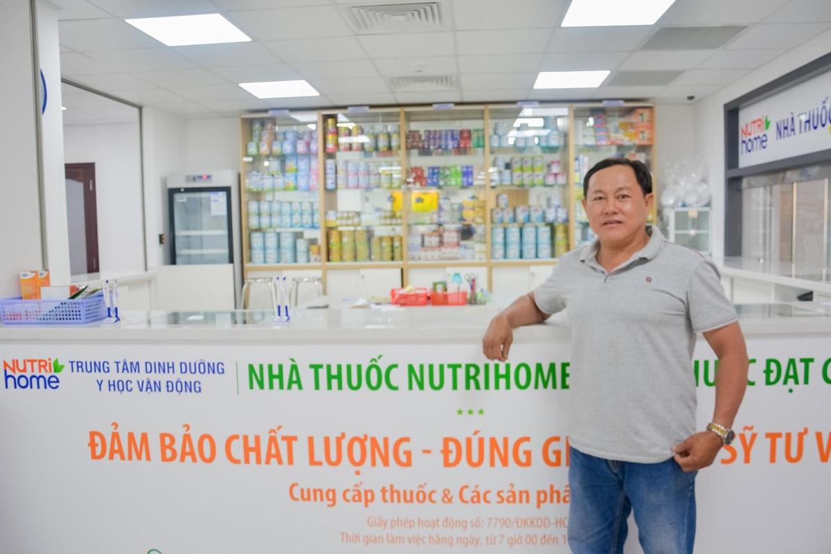 Nhờ thực hiện chế độ ăn, vận động theo tư vấn của bác sĩ dinh dưỡng và y học vận động, hiện anh Bá Tùng đã cầm chân được nhiều căn bệnh mãn tính, sống vui khỏe.