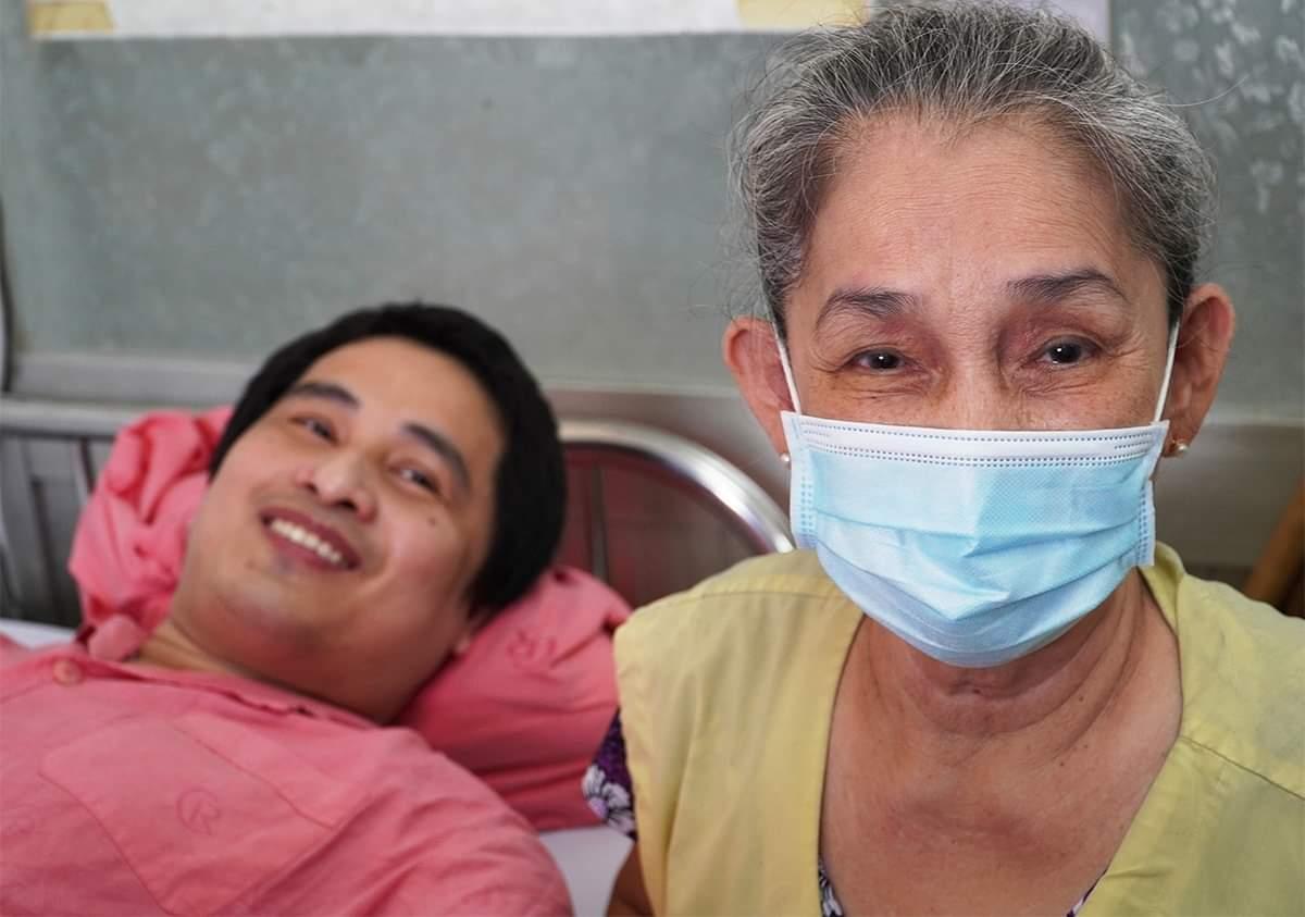 Bệnh nhân Nghiêm trước khi xuất viện, chiều 13/4. Ảnh: Mỹ An.