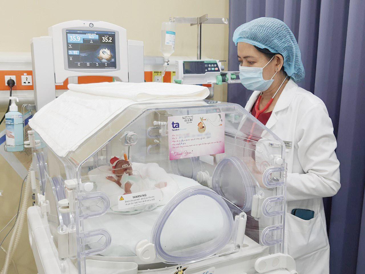 Trẻ sinh non được chăm sóc đặc biệt tại BVĐK Tâm Anh có thể hạn chế tối đa nguy cơ mắc các bệnh liên quan đến hệ thần kinh, não bộ... mang đến cho trẻ cơ hội sống khỏe mạnh và phát triển bình thường. Ảnh: P.Lan