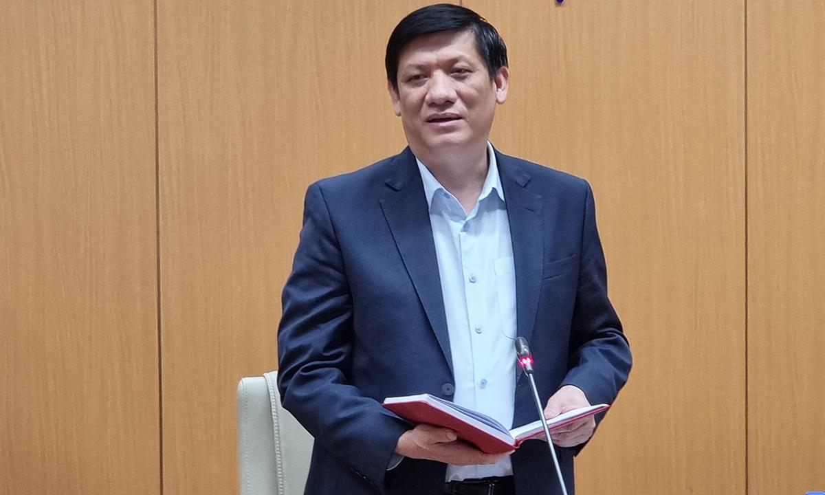 Bộ trưởng Bộ Y tế phát biểu tại cuộc họp. Ảnh: Tuấn Dũng