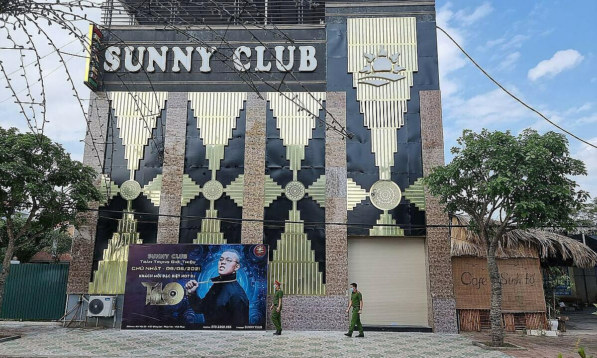 Quán bar Sunny, nơi phát hiện các ca bệnh Covid-19. Ảnh: Tuấn Dũng.