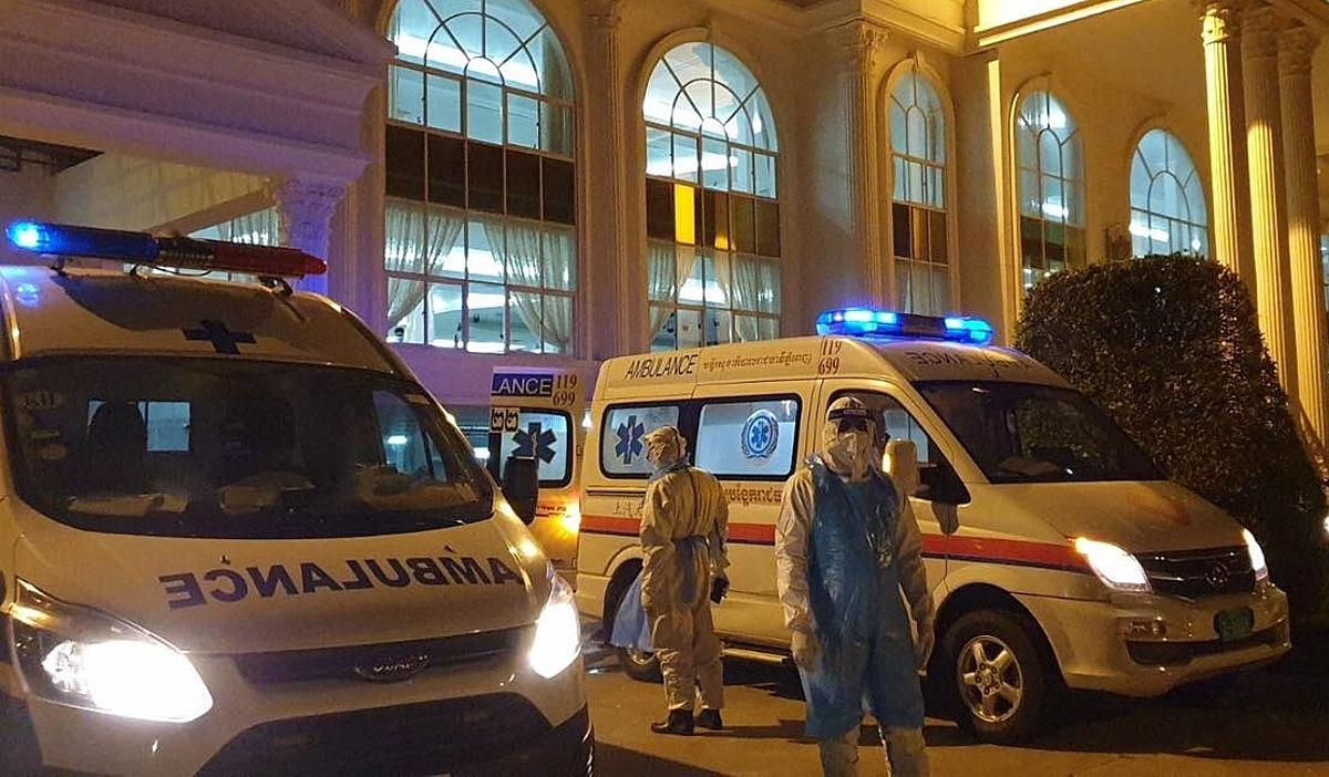 Nhân viên Bệnh viện Chợ Rẫy Phnom Penh tham gia hỗ trợ Capuchia chống Covid-19. Ảnh do bệnh viện cung cấp..