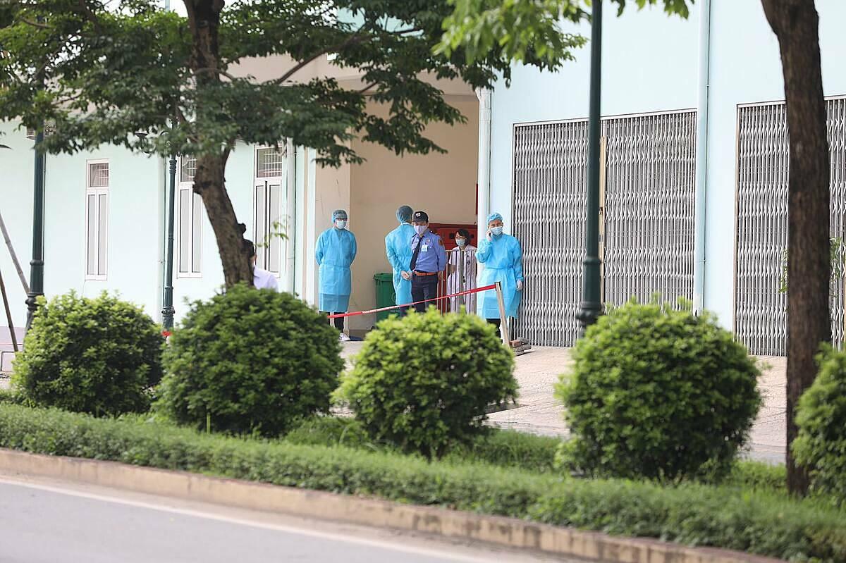 Bệnh viện K cơ sở Tân Triều phong toả từ sáng 7/5 do Covid-19. Ảnh: Ngọc Thành.