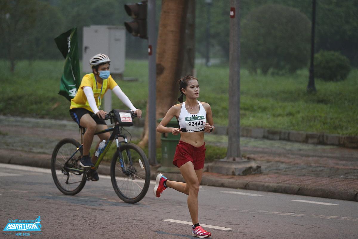 Hồng Lệ - một trong những chân chạy nổi bật nhất hệ thống giải VnExpress Marathon. Ảnh: VMH.
