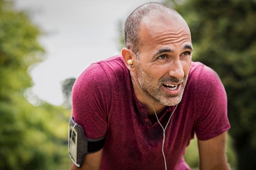 Những cơn đau đầu sau khi vận động dễ khiến mọi người giảm động lực tập luyện, chơi thể thao.