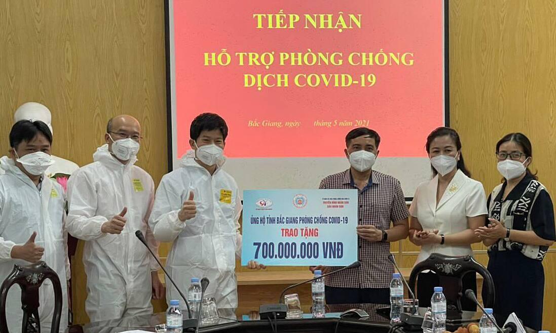 Bệnh viện Tim Hà Nội hỗ trợ Bắc Giang phòng chống dịch, ngày 28/5. Ảnh: Quang Hùng.