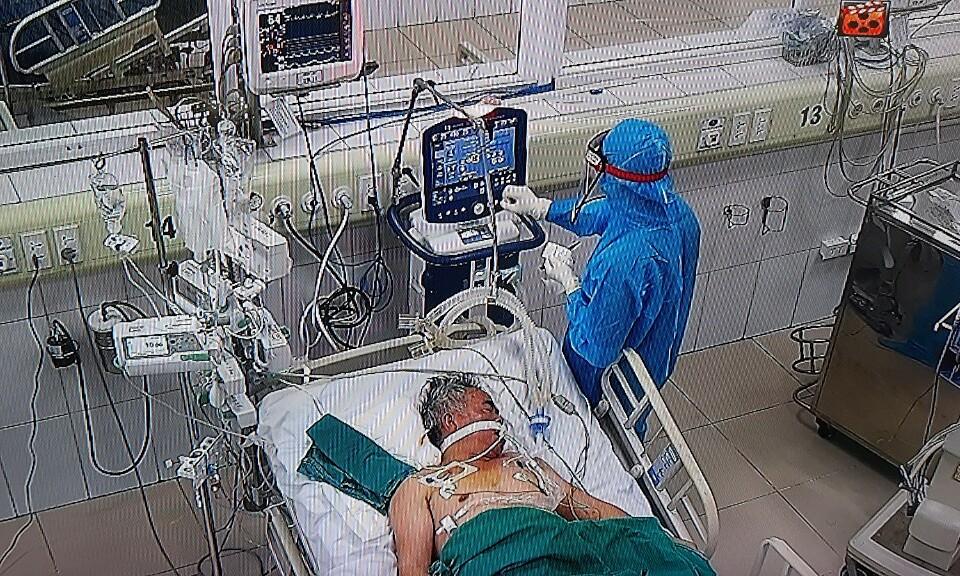 Ảnh chụp màn hình camera theo dõi tại khoa Hồi sức