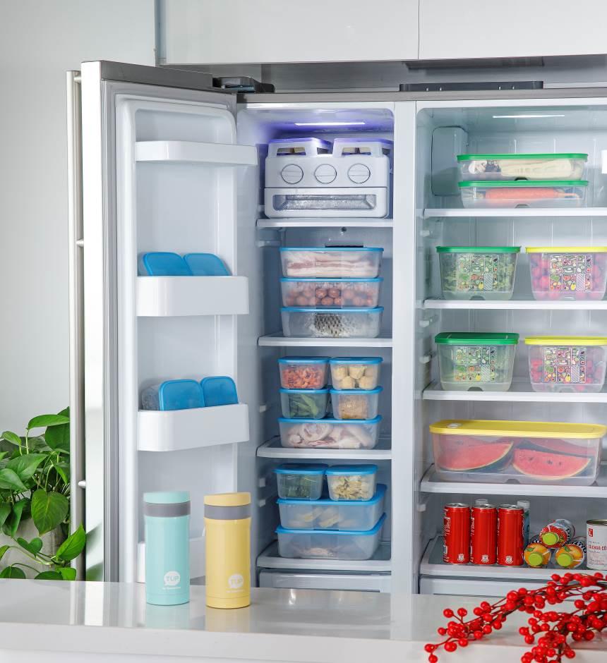 Bảo quản thực phẩm trong các hộp bảo quản kín khí giúp thực phẩm tươi ngon lâu hơn cũng như tránh nhiễm khuẩn chéo vi khuẩn.
