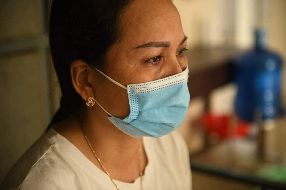 Bà Hoàng Thị Ngư tại Khu cách ly Đại học Kỹ thuật - Hậu cần Công an Nhân dân. Ảnh: Thạch Thảo