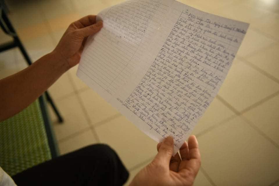 Lá thư người mẹ 45 tuổi gửi đội ngũ y bác sĩ. Ảnh: Thạch Thảo