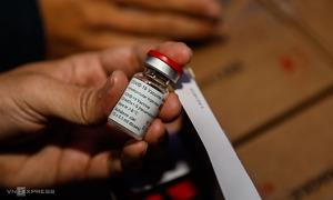 Bộ Y tế chuyển khẩn 800.000 liều vaccine Covid-19 cho TP HCM