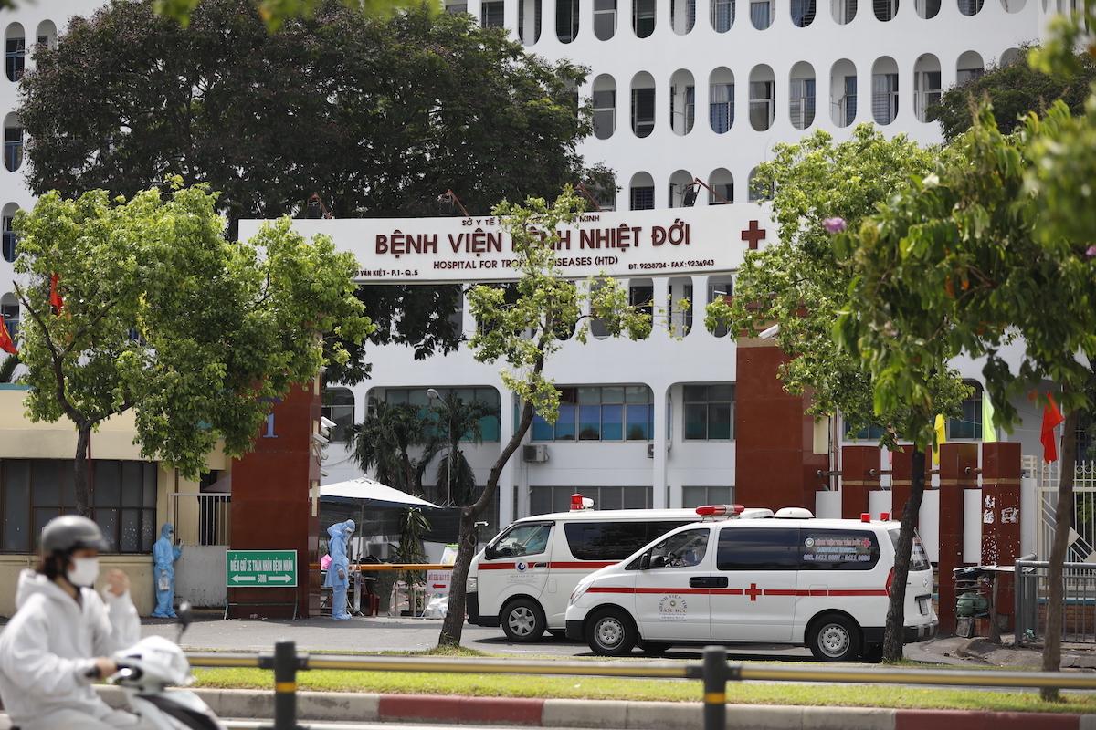 [Bệnh viện Bệnh Nhiệt Đới TP HCM nơi ghi nhận nhiều ca nhiễm Covid-19 trong thời gian qua. Ảnh: Hữu Khoa